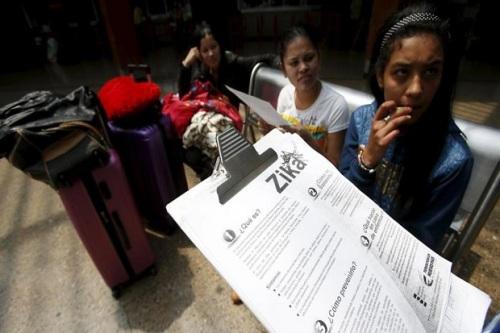 Sosialisasi ancaman wabah virus Zika di Kolombia. Kasus penularan virus Zika pertama kali dilaporkan terjadi di Texas, Amerika Serikat (AS). Virus itu dilaporkan menular melalui hubungan seksual dan tidak melalui gigitan nyamuk.  (Reuters)