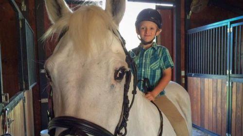 Mimpi bocah berusia 7 tahun ini untuk memiliki kuda poni akhirnya menjadi kenyataan setelah kerja keras selama tiga tahun.