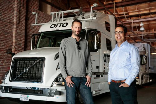 Co-pendiri Otto, Anthony Levandowski, kiri, dan Lior Ron, adalah veteran dari upaya mobil dan pemetaan Google sebelum mereka mulai Otto pada bulan Januari.