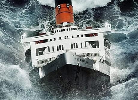 Ilustrasi saat kapal Titanic mulai tenggelam sedikit demi sedikit setelah menabrak gunung es.