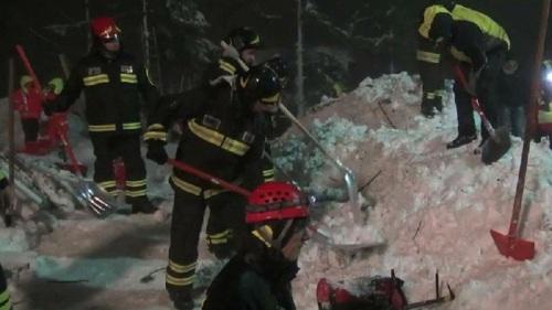 24 Korban Tewas Longsor Salju di Hotel Rigopiano Akhirnya Ditemukan.