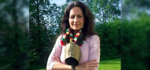Penulis, jurnalis, dan aktivis Nancy Holten ditolak kewarganegaraan Swiss untuk membela ...