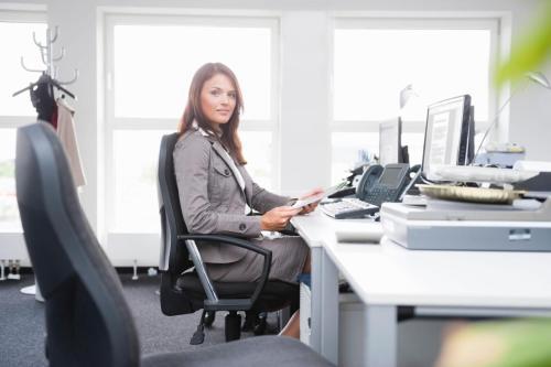 Para wanita studi menemukan yang duduk untuk waktu yang lama secara biologis lebih tua dari mereka yang lebih aktif