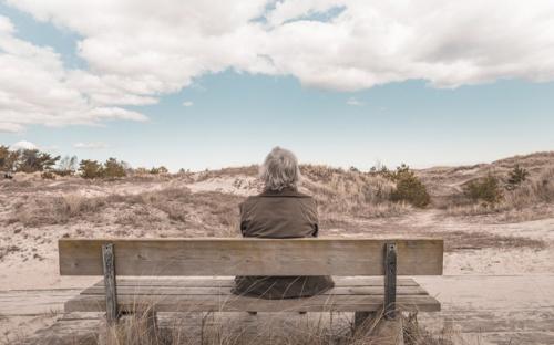 Duduk berlama-lama dalam keseharian, kurang gerak, akan menyebabkan sel-sel tubuhnya menua delapan tahun lebih cepat.